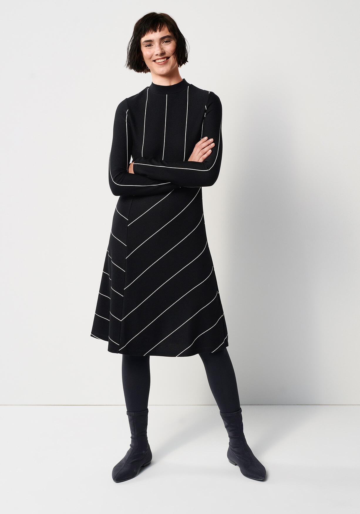 Feminines Streifen Kleid