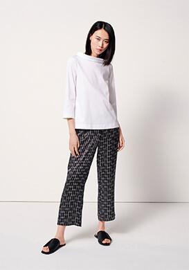 Graphic print pants
