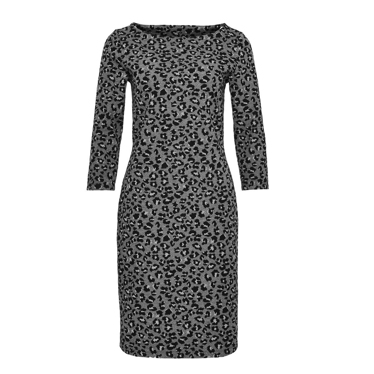 Artikel klicken und genauer betrachten! - Dieses Jerseykleid überzeugt als elegantes Basic mit Wohlfühl-Charakter. Die Jersey-Ware verleiht einen angenehmen Tragekomfort und wird durch den Animal Print zum Must-Have. Die Abnäher vorne sorgen dafür, dass sich das Kleid ideal an die Silhouette anpasst. Eine Teilungsnaht hinten bricht den Look des Kleides. Baumwoll-Mix, Animal-Print, Abnäher vorne, ¾ Arm, das Model ist 177 cm groß und trägt Größe 36. | im Online Shop kaufen