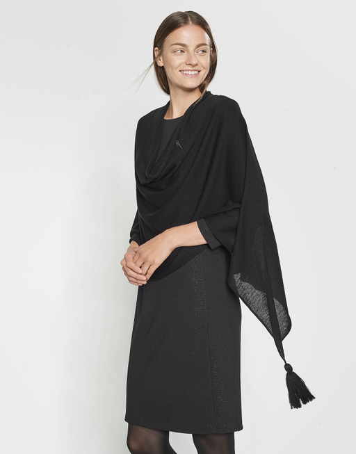 Poncho Apiera flash black